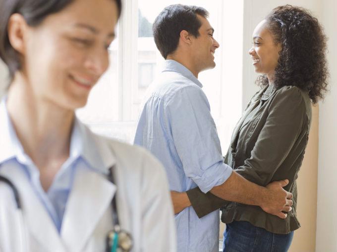 pareja_fertilidad_doctor