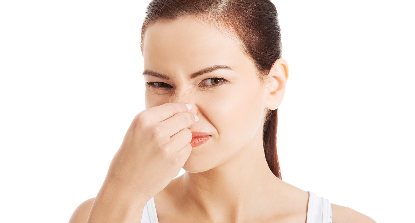 D a 53 mujer bien for Mal olor aire acondicionado